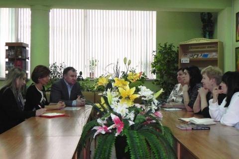 Депутаты городской Думы встретились с активистами округа