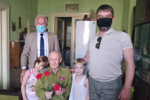 Депутаты РГД продолжают вручать медали рязанским ветеранам